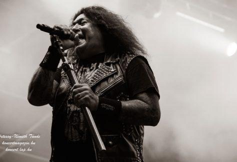 Chuck Billy a Testament énekese és néhány stábtag is koronavírussal fertőzött