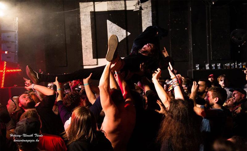 Újra lehet 500 fő alatti koncerteket tartani Magyarországon