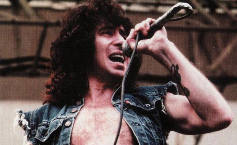 Ma lenne 74 éves Bon Scott az AC/DC egykori énekese