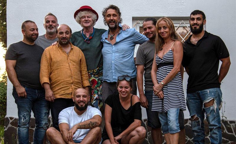 Közös turnéra indul Müller Péter Sziámi zenekara és a Romano Drom
