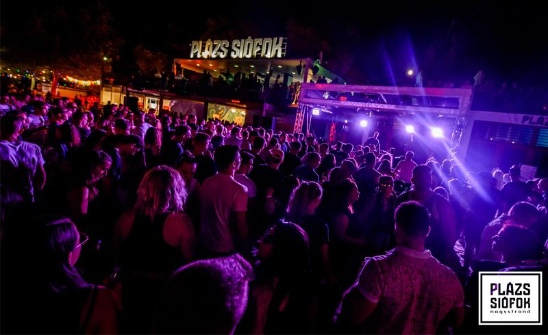 Fel a szívekkel – Ákos koncert és sok más program is a Plázson