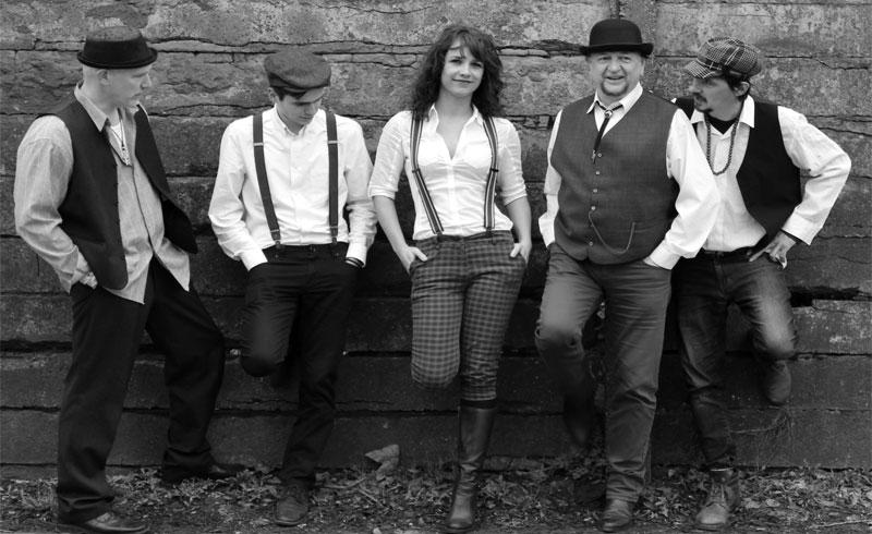Ma megjelent a Red One House zenekar legújabb kislemeze, dupla-kislemez formátumban – Interjú Pál Zoltán Márkkal