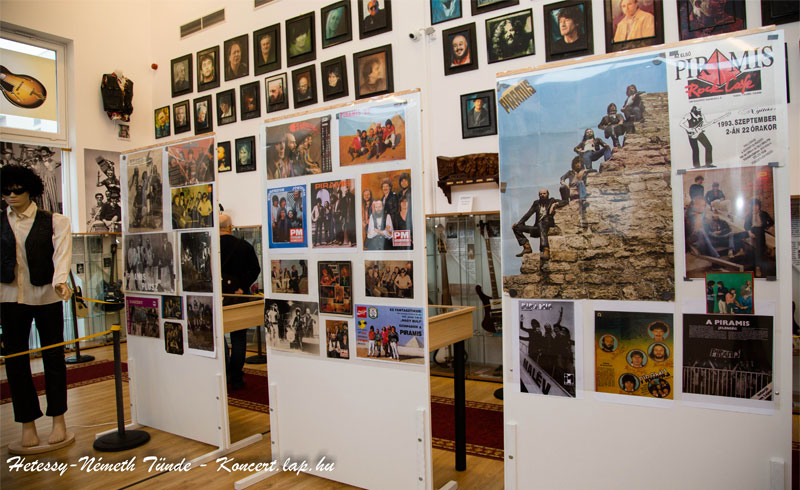 Piramis kiállítás fotók – 2018.12.08. Magyar Rockhírességek Csarnoka