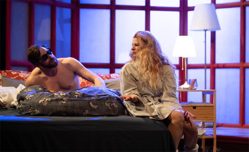 Ketten egyedül, Mesterhármas – Az Art-Színtér szeptemberben két nagyszabású premierrel jelentkezik